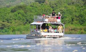 boat-on-murchison-falls